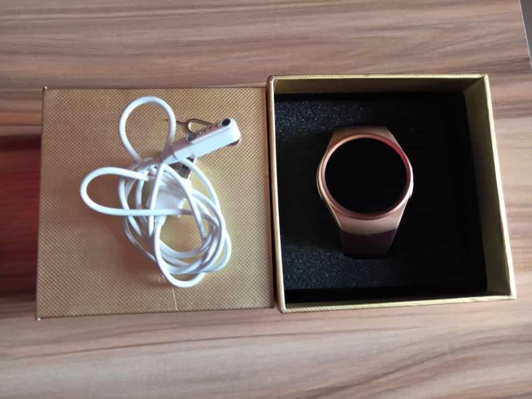 KingW 3earKW18 Smartwatch