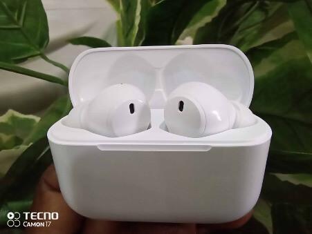 Buds 1 earphone